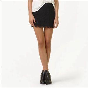 🎉 HOST PICK 🎉 Aritzia Talula Black Lace Mini